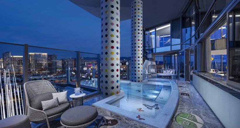 6d2ac5374 Podívejte se do nejdražšího hotelového pokoje světa. Noc stojí 100 ...