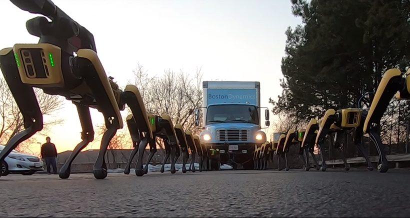 boston-dynamics-robot-spotmini-truck