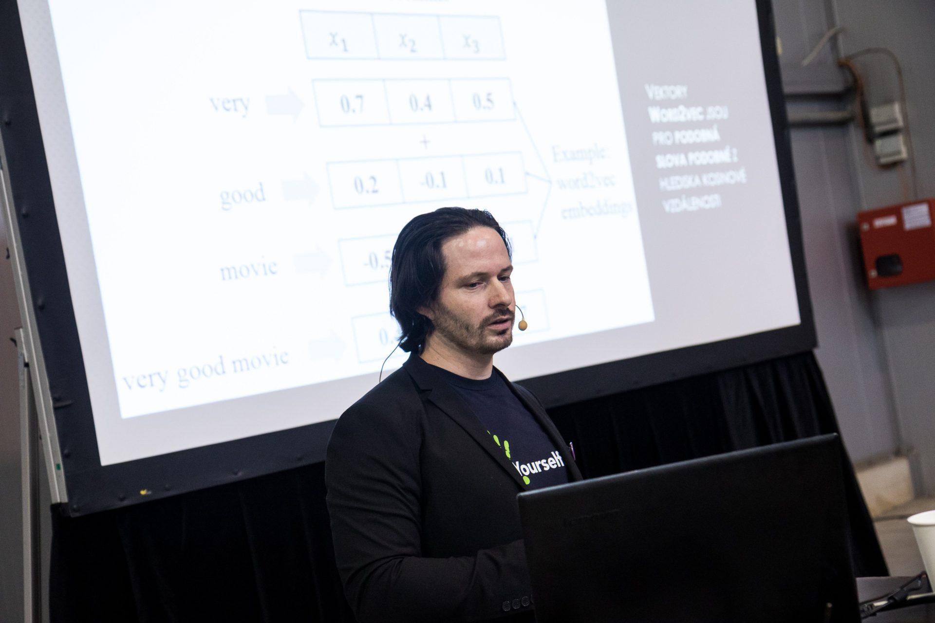 Jobs Dev 2019 představí v doprovodném programu hned několik řečníků