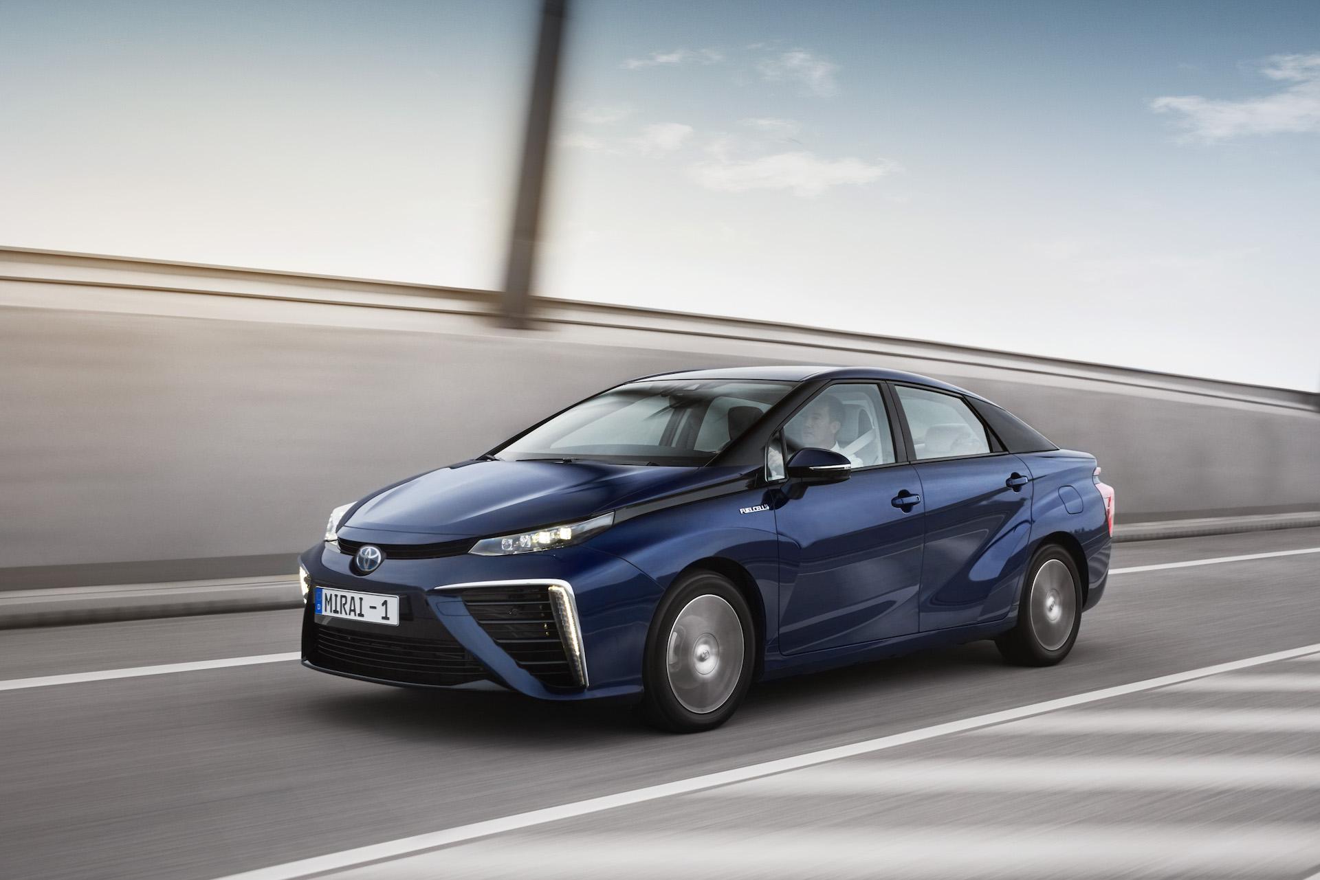 Vodíková Toyota Mirai