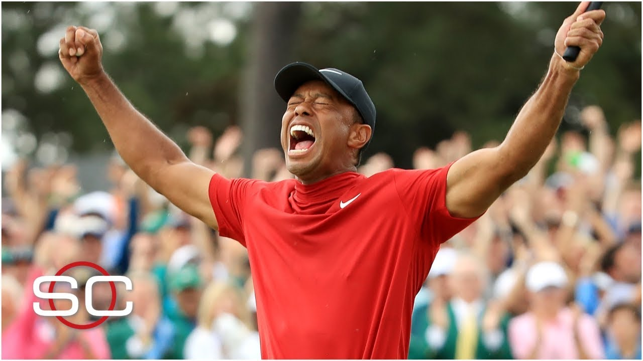Tiger Woods po svém vítězném úderu