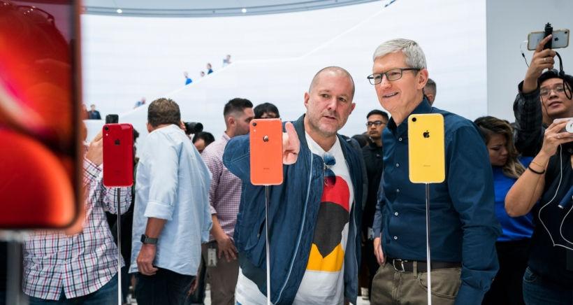 apple-jony-ive-tim-cook-iphone-xr