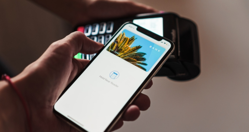 apple-pay-iphone-3-min