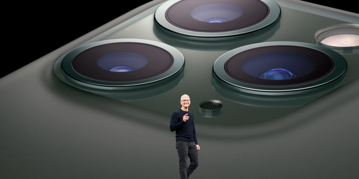 tim-cook-iphone11-pro-apple