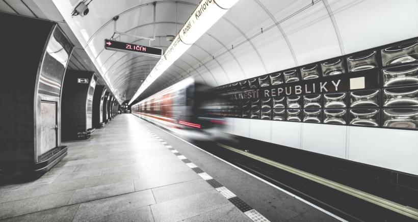 prague-metro-subway-praha2-min