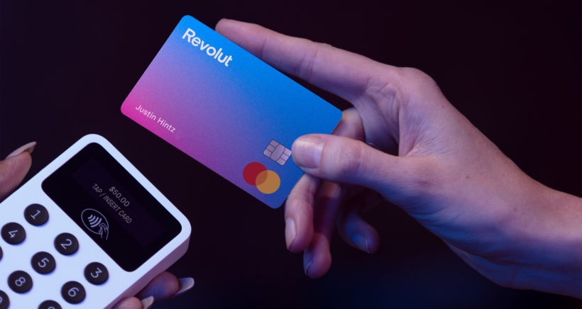 revolut-card-top