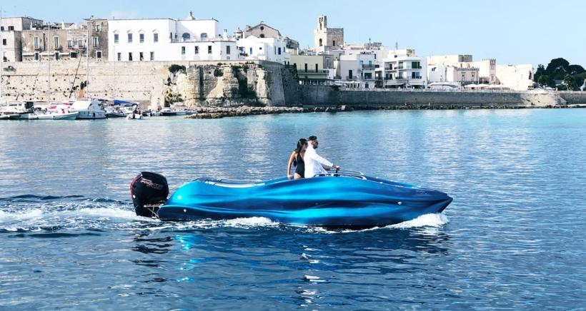 mambo-boat1