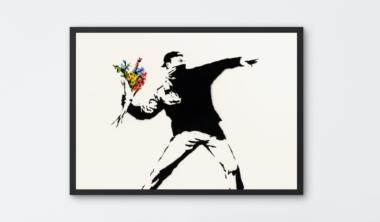 love-is-in-the-air_banksy