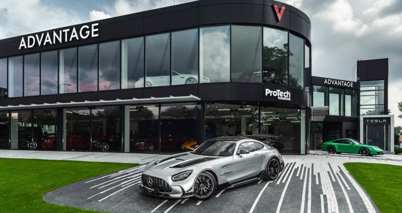 advantage-cars-showroom